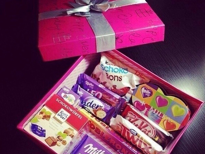 Подарок парню на день рождения из сладостей