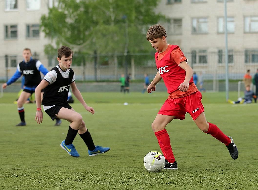 Просмотры в профессиональный футбол от 18 лет
